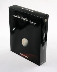 pył box front